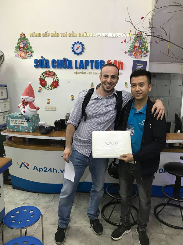 Foreign customers come to SUACHUALAPTP24h.com to get their Laptop fixed